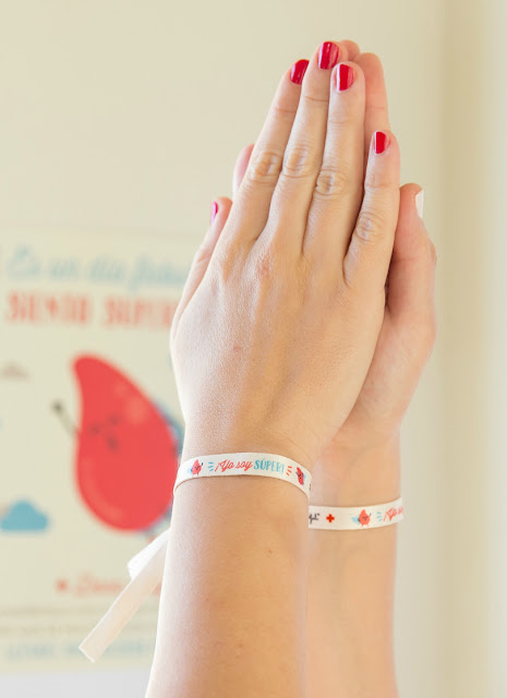 Pulseras-Mr-Wonderful-choque-manos