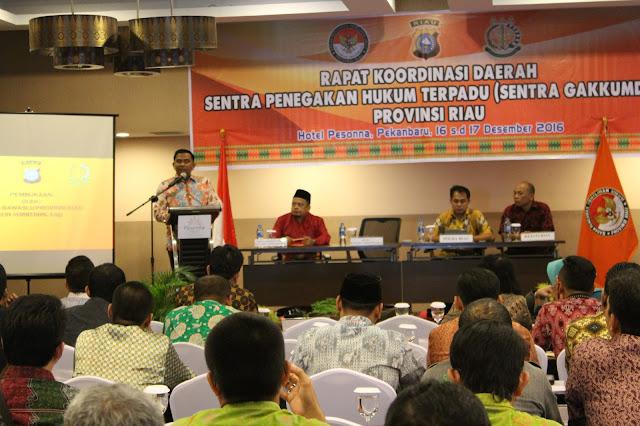Ketua Bawaslu Provinsi Riau, Edy Syarifuddin memberikan kata sambutan