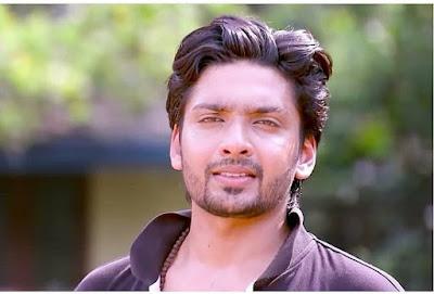 Thejus-Nayiaka Nayakan contestant