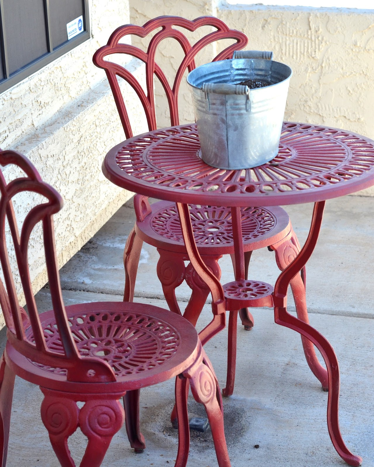 New All You Need Is Love. and Paint: Bistro Set Refreshed! PR36