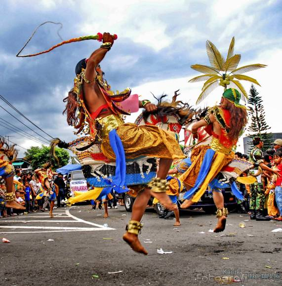 Indonesian Dance ~ Indonesian Traditional Dance