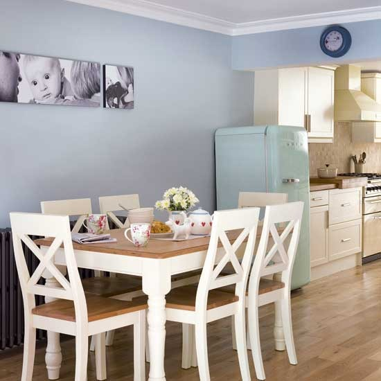Burford Place Open Plan Kitchen With Breakfast Bar Island: New Home Interior Design: Kitchen Extensions