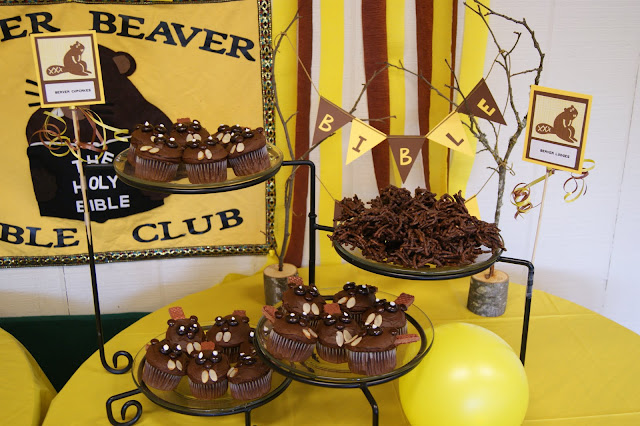 Beaver Party Decor and Snack Ideas @michellepaigeblogs.com