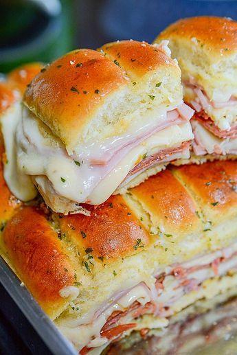 simple and super easy italian slider recipe!! #Simplyrecipe #Easyrecipe #Italianfood #Italiancake #Italiandessert #Bestitalianfood #Healthyfood #Italiansliderfood