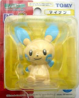 Minun Tomy Data Carrier Pokemon Figure