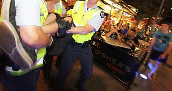 Bêbado sendo preso