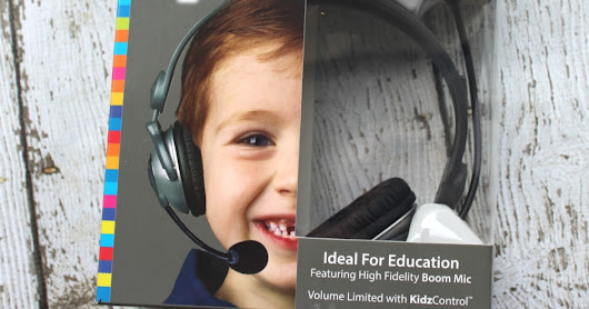 #Giveaway Back to School with Kidz Gear Deluxe Stereo Headset Headphones with Boom Microphone