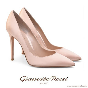 Crown Princess Mary Gianvito Rossi Rose pink pointed toe pumps