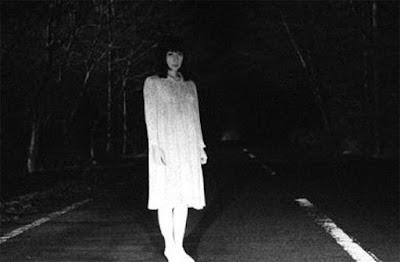 Mulher fantasma aterroriza