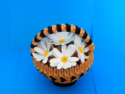 3d origami small basket with daisy flowers