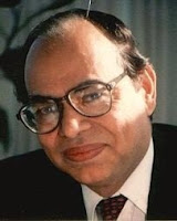 Mahbub ul Haq adalah Pakistani game theorist Mahbub ul Haq - Pengembang Human Development Index & Pendiri Human Development Report