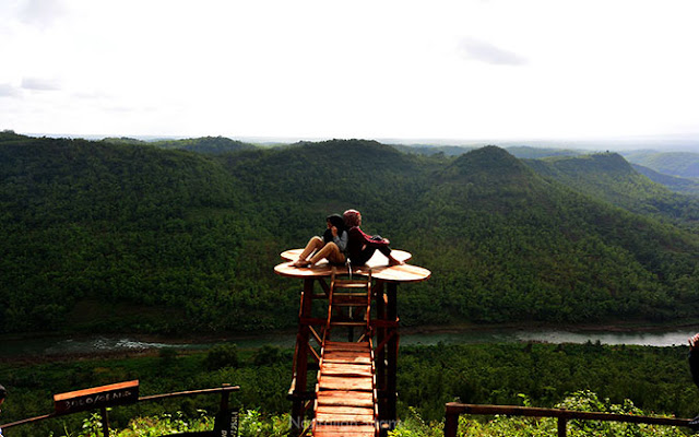 Bukit Panguk Kediwung, Spot Asyik Berburu Kabut di Mangunan