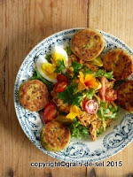 http://salzkorn.blogspot.fr/2014/10/so-macht-salat-satt-kartoffeltaler.html