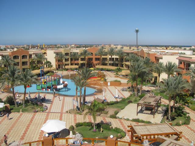 вид с высоты на отель в Египте