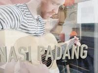 Jatuh Cinta Dengan Masakan Padang, Bule Norwegia Buat Lagu Yang Langsung Viral