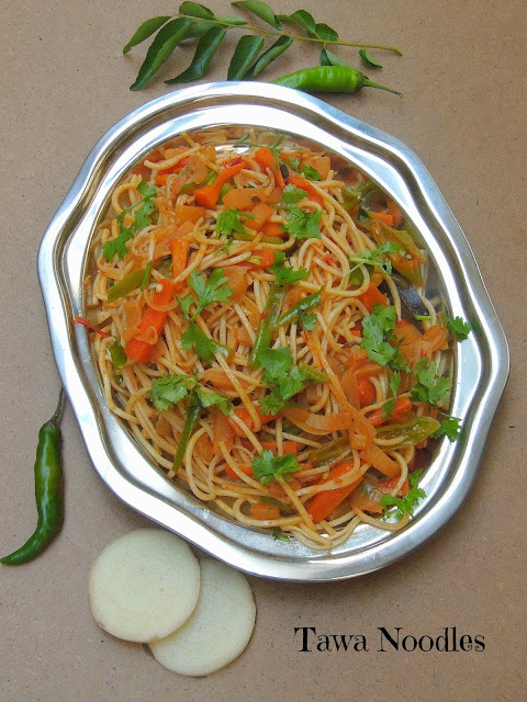Tawa noodles with banana stem