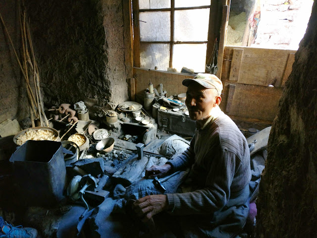 handcrafting metals in Ladakh