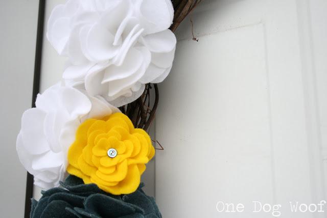 декор из фетра, цветы текстильные,, декор текстильный, фетр, розы из фетра, цветы из фетра, из фетра, мастер-класс, цветы своими руками, своими руками, идеи, http://handmade.parafraz.space/http://prazdnichnymir.ru/ цветы из фетра