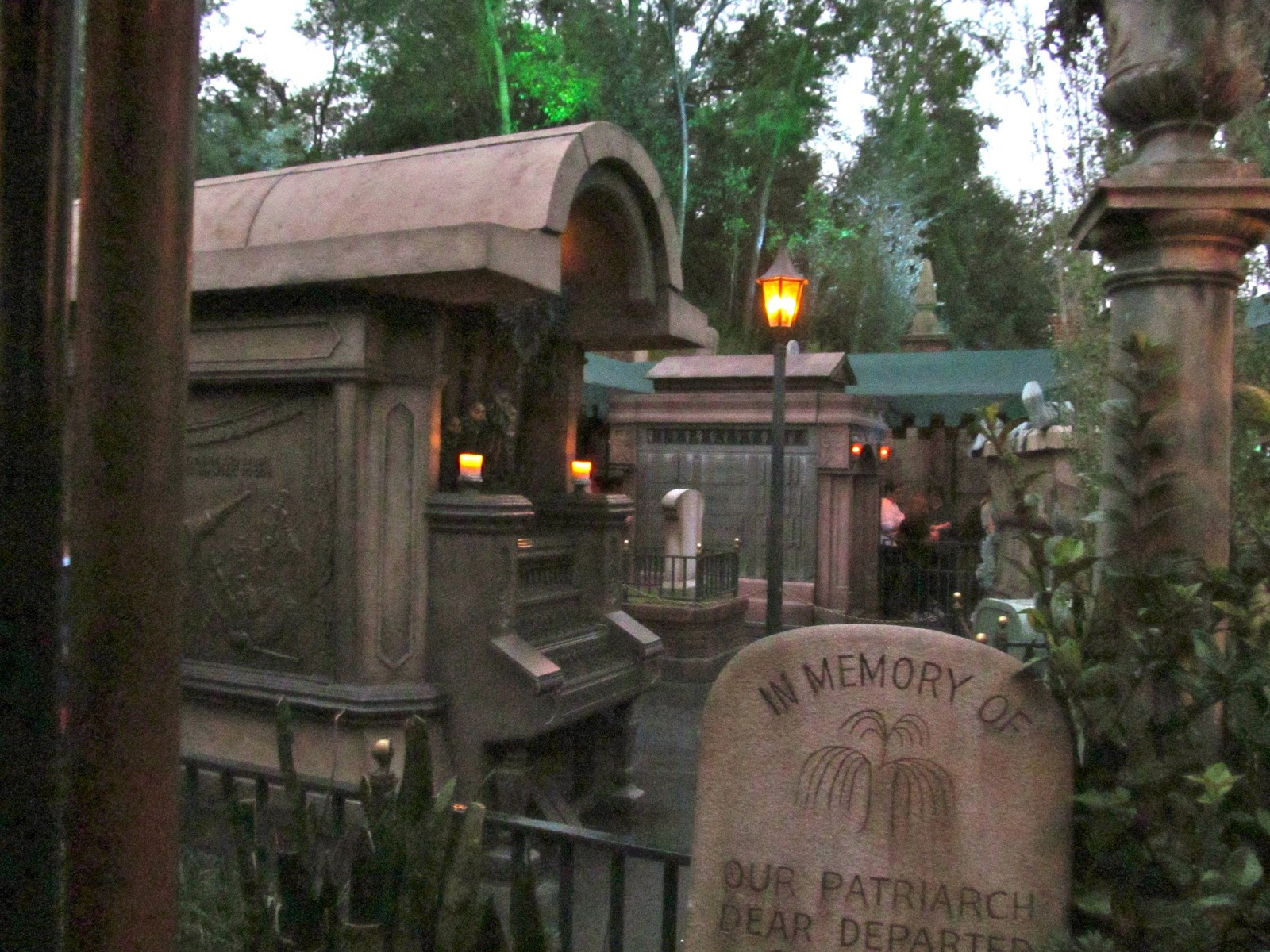 The Haunted Mansion during Mickey's Not So Scary Halloween Party - www.ouroutdoortravels.blogspot.com