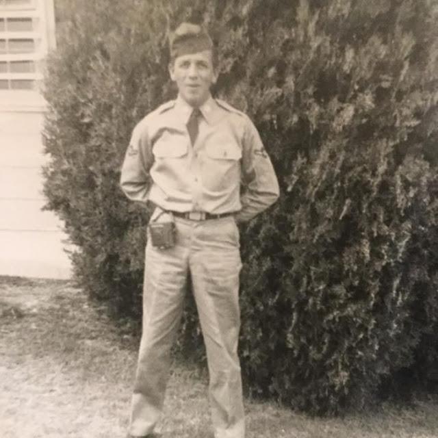 Veterano de guerra piensa que volverá a Vietnam y sufre