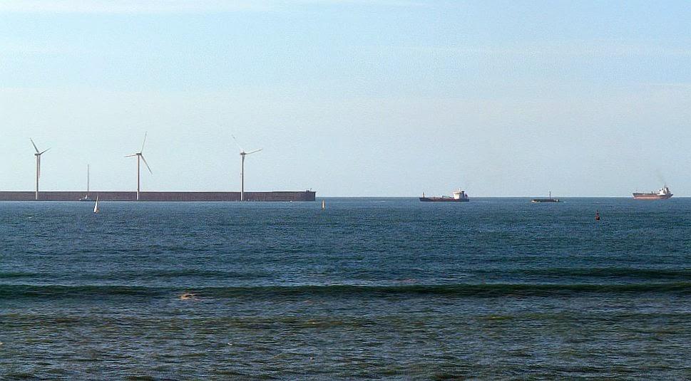 barcos fuera del abra de bilbao