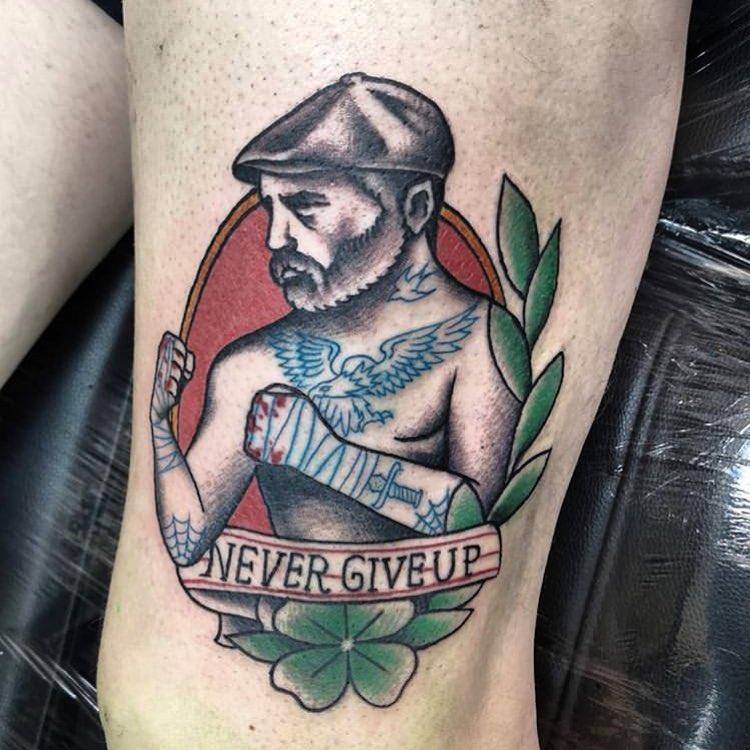tatuagem old school masculino colorida preta na perna