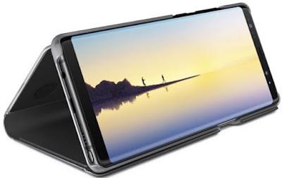 Spesifikasi Samsung Galaxy Note 8    Samsung Galaxy Note8 dibekali layar sentuh ekstra luas 6.3 Inch, yang merupakan paling besar dari semua varian Galaxy Note sebelumnya. Layar lebih luas dan melengkung di pinggir kiri dan kanan memberikan tampilan visual 14% lebih luas dan ruang lebih banyak untuk menggunakan S Pen. Walaupun memiliki ukuran layar paling luas, Galaxy Note8 tetap nyaman digenggam karena di sudut kiri dan kanan melengkung sehingga bisa memaksimalkan ruang yang ada di samping rasio layar yang sebesar 18,5:9. Resolusi layar di setingan standar adalah Full HD+ dan bisa diubah ke Quad HD+ (WQHD+) di menu Setting.   Ujung S-Pen Note8 hanya sebesar 0.7 mm, lebih runcing dibanding seri Galaxy Note 5 yang sebesar 1.6 mm. Ujung S Pen yang lebih runcing tersebut memungkinkan Anda bisa menulis atau menggambar dengan lebih baik di atas layar. Ditambah lagi tingkat Pressure Sensor S Pen kini dua kali lipat lebih tinggi (4096) sehingga Anda bisa rasakan sensasi menulis lebih alami dari sebelumnya. S Pen dibekali berbagai fitur menarik, mulai dari membuat gambar animasi GIF dari video, menggambar dan mengkreasikan ulang foto, menulis catatan dengan instan bahkan saat layar mati berkat fitur AOD (Always on Display), memperbesar konten, menerjemahkan bahasa, dan masih banyak lagi.