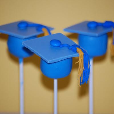 Cakefilley Graduation Cake Pops