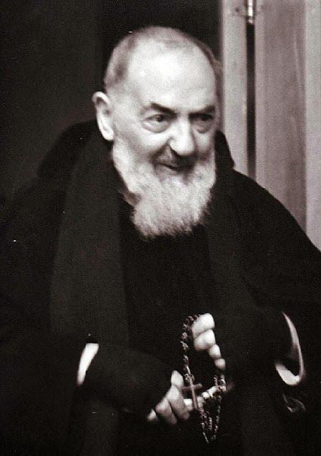 Padre Pio: Nossa Senhora nunca me recusou uma graça através da recitação do terço