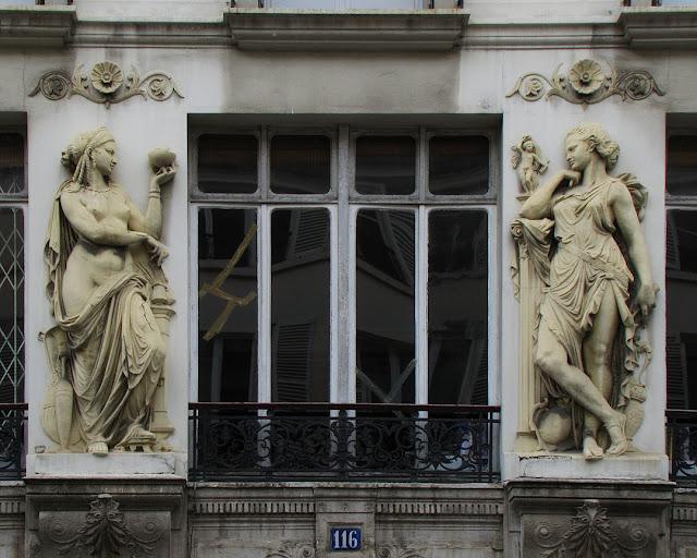 Caryatids, 116 rue de Turenne, Quartier des Enfants-Rouges, Paris