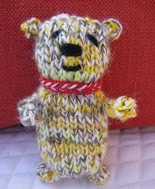 http://translate.googleusercontent.com/translate_c?depth=1&hl=es&prev=search&rurl=translate.google.es&sl=en&u=http://www.favecrafts.com/Knitting-for-Baby/Easy-Knit-Teddy-Bear&usg=ALkJrhgpxCUWXGp4npFwNFXjd1J9Cg8mHw