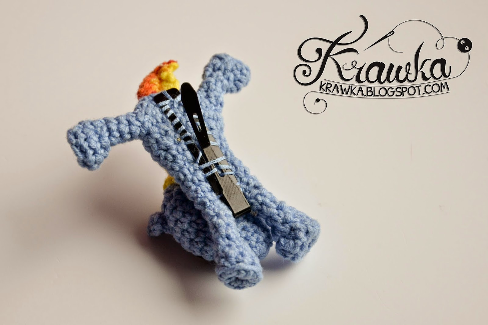 f4ab590e96c75 Krawka  Crochet hair clip - My little Pony - Rainbow Dash - free pattern to