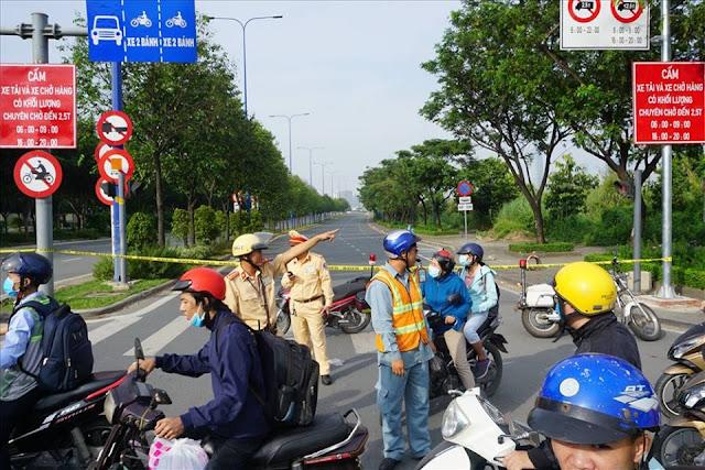 Hai đầu hầm sông sài Gòn bị phong tỏa