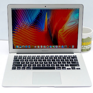 MacBook Air Core i7 13 inchi Mid 2011 Second
