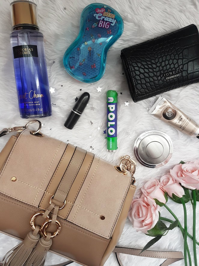 small handbag essentials
