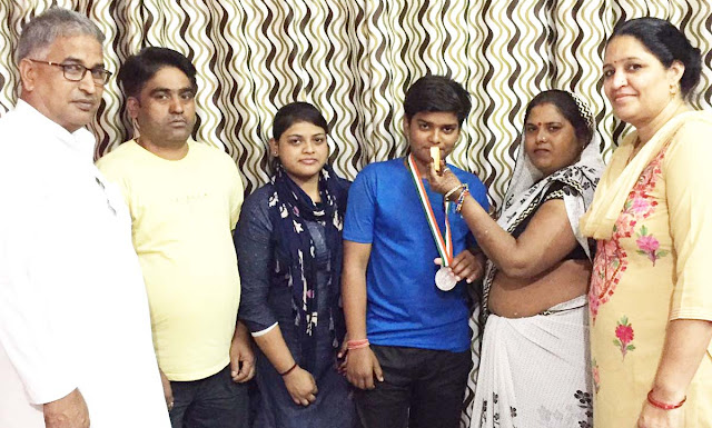 Anis Singh receives massive reception at Silver Medal, Silver Medalist