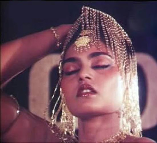 Yesteryear Queen Silk Smitha Hot Photos ~