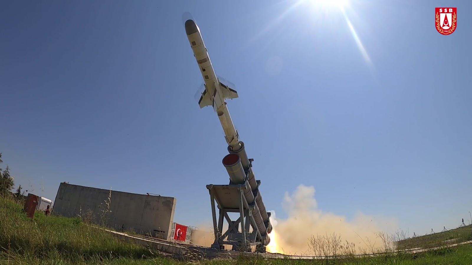Новітня турецька протикорабельна ракета вразила ціль на дальності 200 км