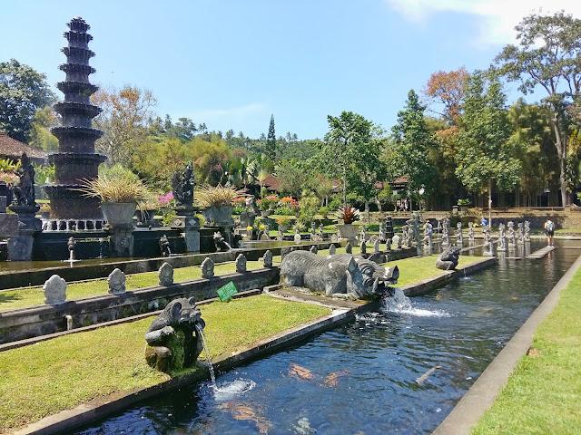 Достопримечательности Бали.Тирта Ганга — водный дворец (Tirta Gangga )