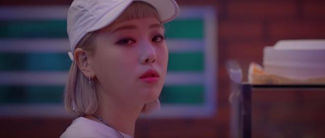 KISUM -   SAY HI (내게 인사해주세요) (MUSIC VIDEO)