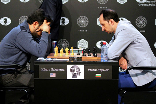 Hikaru Nakamura bat le Bulgare Veselin Topalov lors de la 7ème ronde du tournoi des candidats - Photo © Amruta Mokal
