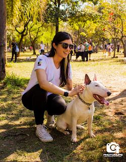 Vanessa Buck - Psicóloga - bull Terrier