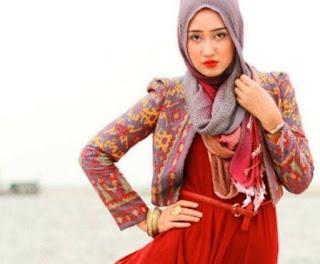 Gambar Model blazer batik dian pelangi