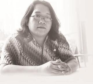 Martin Suryajaya: Revolusi Agustus, Revolusi Rakyat