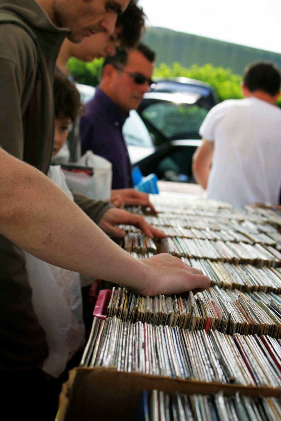 Stand vinyles brocante musicale