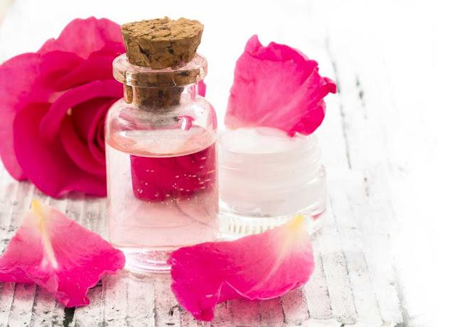 manfaat air mawar untuk kecantikan