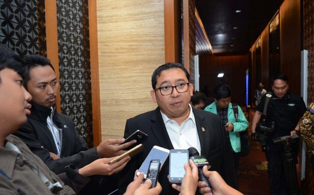 Sindir Jokowi, Fadli Zon Sebut Presiden Tak Usah Pamer Buzzer Peliharaannya