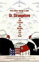 ¿Teléfono rojo? Volamos hacia Moscú<br><span class='font12 dBlock'><i>(Dr. Strangelove, or How I Learned to Stop Worrying and Love the Bomb)</i></span>