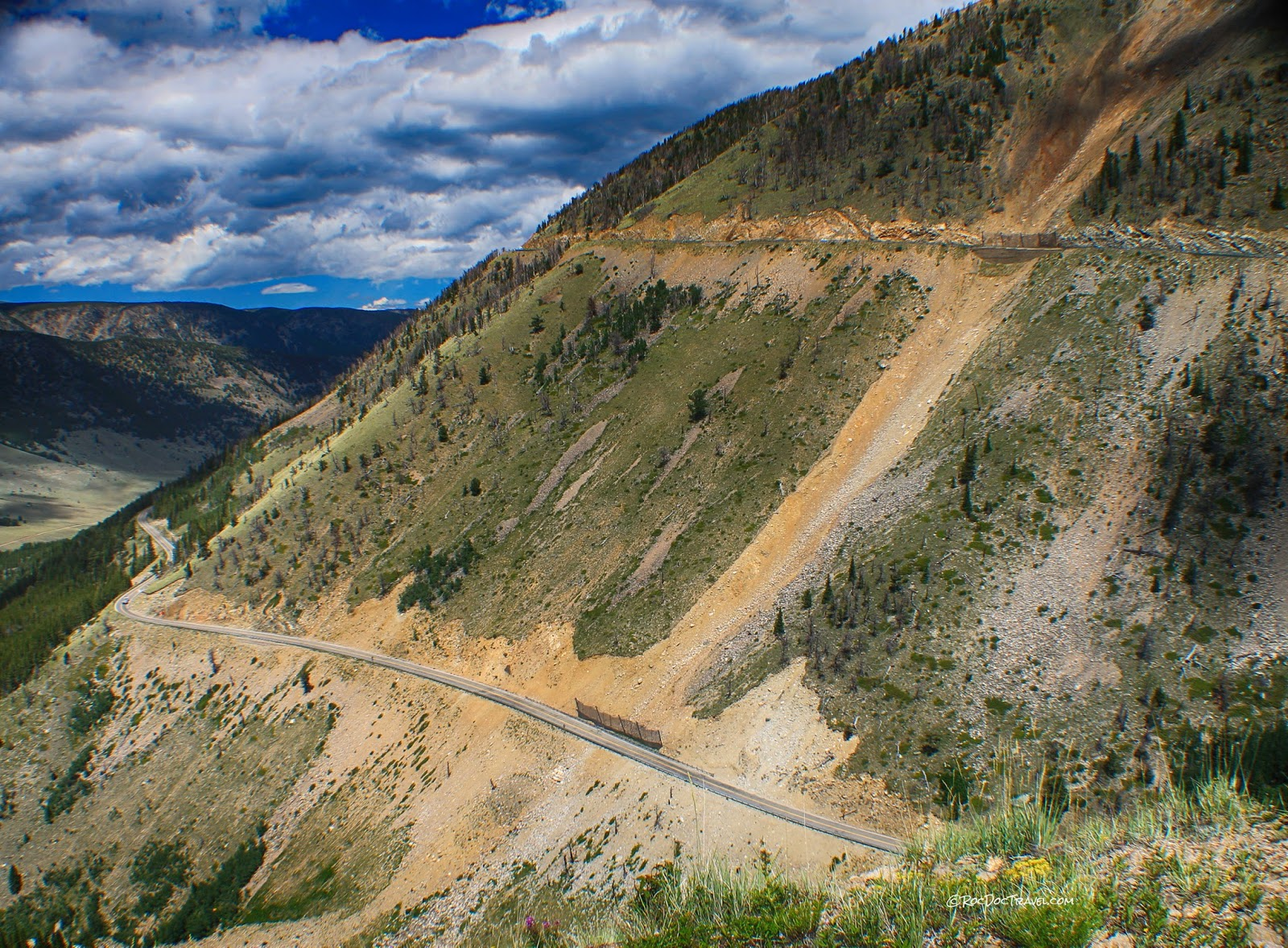 Beartooth Highway Wyoming Montana geology travel trip fieldtrip guide mountains copyright RocDocTravel.com