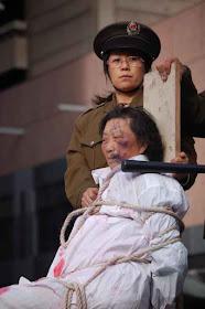 Manifestantes encenam perseguição religiosa na China. Acordo Vaticano-Pequim abrirá nova perseguição, diz Cardeal.